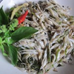 Glass Fish steam with herbs - Ue Pla Geaw
