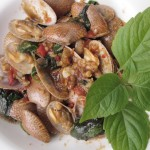 Spicy Stir-Fry Clams- Pad Ped Hoy Lai